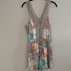 E By Eloise Anthropologie Floral Romper Size S